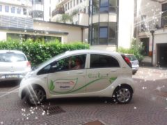 automobilista green,ale spada,automobilista ecologista,eco car milano,colonnine milano,greentrotter eco-car,luisa cartei eco-car,cartei colonnine,monumenti green